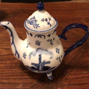 Vintage Blue Delft Teapot
